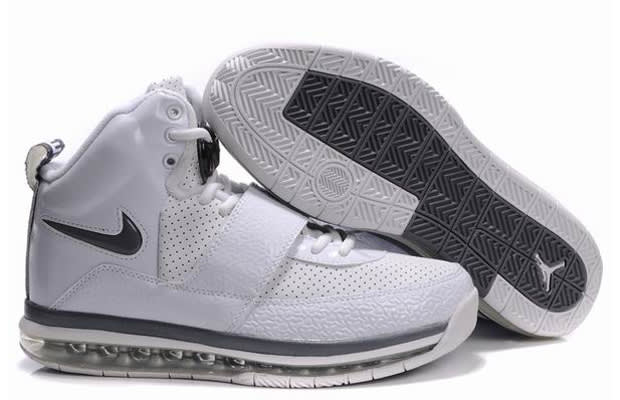 Even the Air Yeezy wasn\u0026#39;t immune to being hybridized in Chinese factories. Whoever threw this Air Max 360 sole on this all-white version must have been a ...