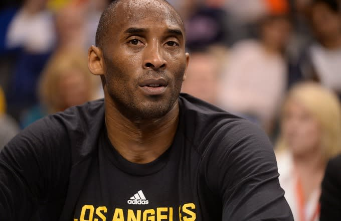 Kobe Bryant fan can't stop crying during final game (Video) |Lakers Crying