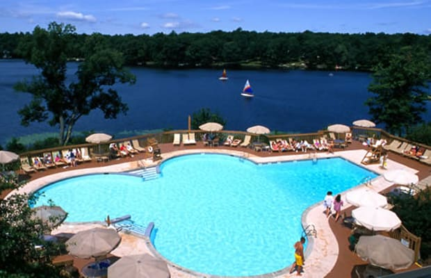 Poconos pa day trippers weekend getaways less than 2 for Weekend spa getaways ny