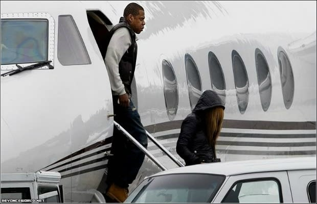The Top 10 Celebrity Private Jets - Paramount Business Jets