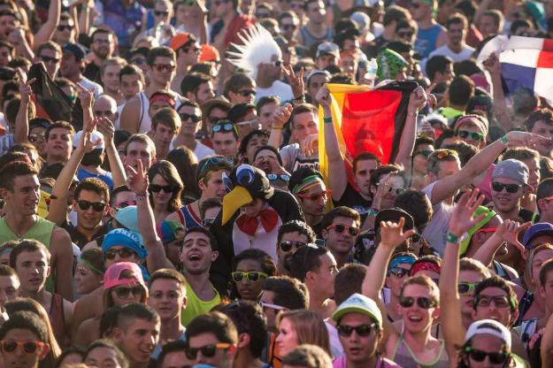 umf-2013-crowd-li