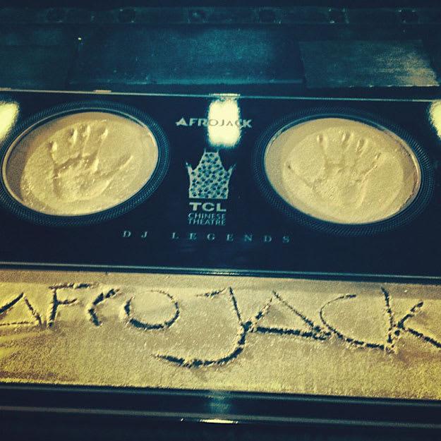 afrojack-hollywood-hands