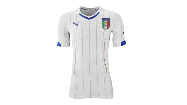 SS14 Italy Away FIGC Promo ACTV Slim Away_701816_02 copy