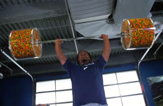 Marshawn Lynch Literally Trains With Skittles (Video ...