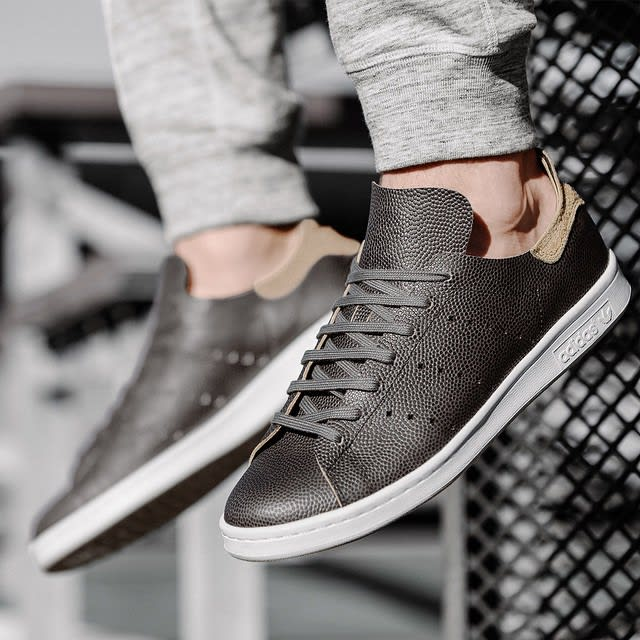 613b89d1398 wings + horns x adidas Stan Smith