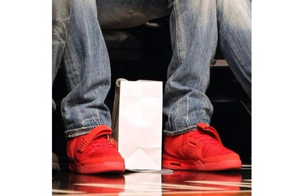 size 40 3f47b bf881 Geno Smith wears an early pair courtside at a Nets game.