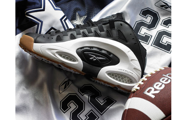 904bcb409f80 Allen Iverson wasn t the only professional athlete vexing defenders in the  90s  while wearing Hexalite-infused kicks. Nope