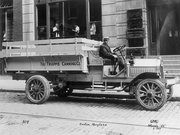 In 1912 The Gmc Nameplate Was Lied To A Truck For First Time During Early Years Company Offered Mix Of Trucks That Featured Either