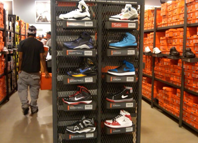 d74f7d093da4 How to Get a Discount on Sneakers