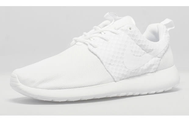 All-White Roshes As if They Were Bleached  6b994bb47
