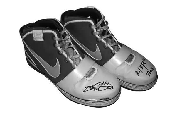 a1abc61ae32 The 10 Coolest NBA Game-Worn Sneakers on eBay Right Now