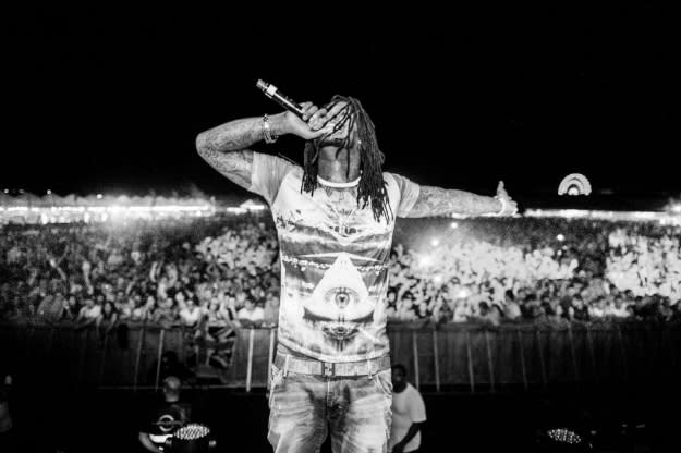 waka-flocka-crowd-bw