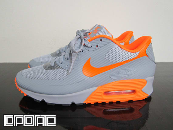 28c3222f6b90 Nike Air Max 90 Hyperfuse