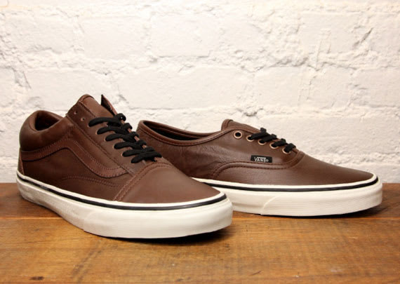 "b1eee26296 Vans Old Skool   Authentic ""Aged Leather"""