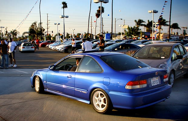 2000 honda civic si coupe 10 sporty first cars for less than 10 000 complex. Black Bedroom Furniture Sets. Home Design Ideas