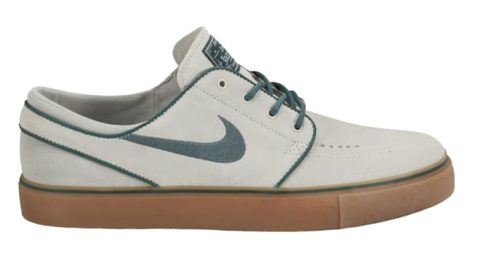 d5276d573325f Nike SB lets loose another look at the