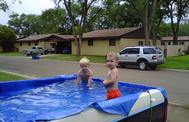 Truck bed 10 awesome vehicles converted to swimming pools and hot tubs complex for Can i build my own swimming pool
