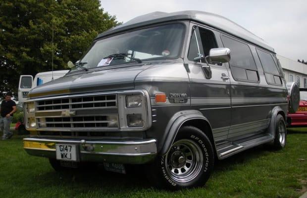 1989 chevrolet explorer conversion van the 10 best cars to live in complex. Black Bedroom Furniture Sets. Home Design Ideas