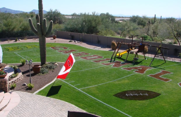 Nov 27,  · Joey, Matt and Tyler Kirkle have recreated the field in previous years as part of their family's Turkey Bowl. The replica even got the attention of the Huskers.