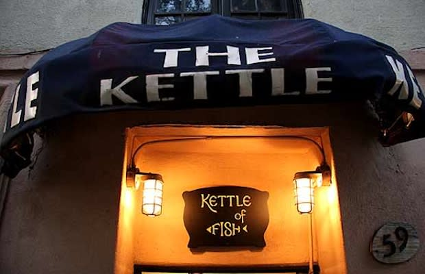 Kettle of fish the 25 best sports bars in nyc complex for Kettle of fish
