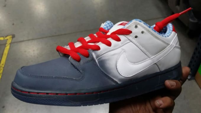 5c7284832c22 The Nike SB Dunk Low