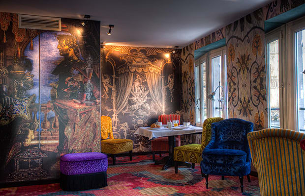 12 christian lacroix at hotel le notre dame paris the coolest designer hotel suites complex. Black Bedroom Furniture Sets. Home Design Ideas