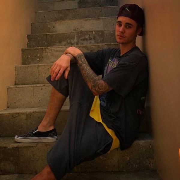 justin-bieber-instagram-stairs