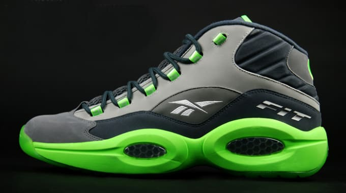 purchase cheap 5a8d9 241e9 Sole Collector x Reebok Question