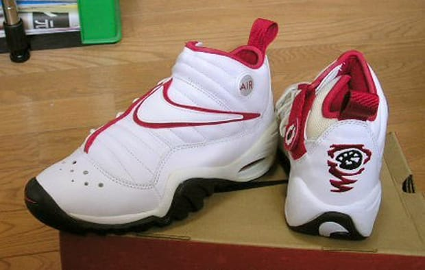 d82e76d22000 The 90 Greatest Sneakers of the  90s