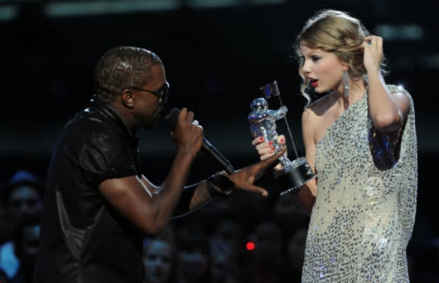 e47fe8c8749 Kanye West Interrupts Taylor Swift at the VMAs