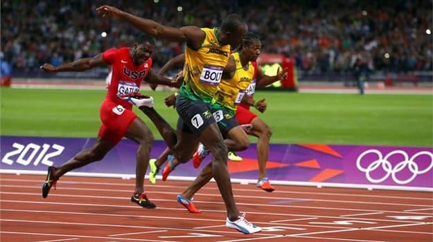 bolt breaks the 100m olympic record in puma evospeed