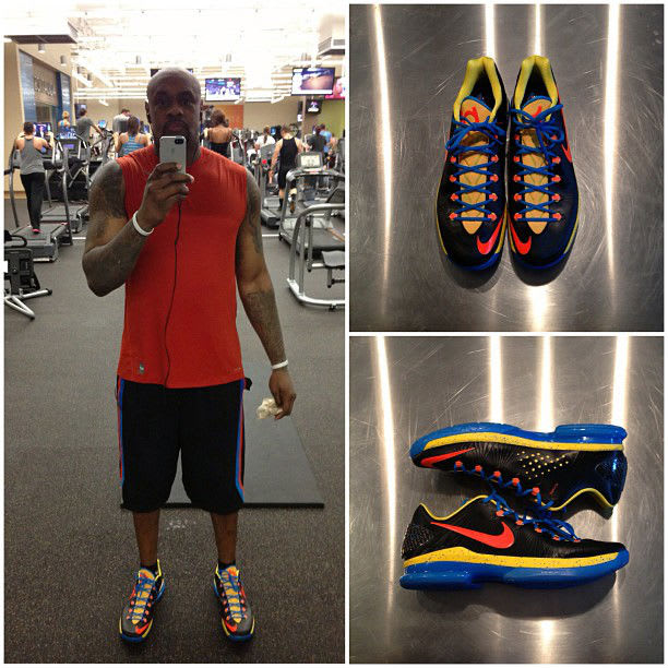 low priced 853b6 1684c ... its Elite basketball collection, here we get a look at one of Kevin  Durant s coinciding options of his KD V signature. The OKC Away edition  sports ...