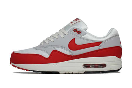 1da18b73faef1 In 1987, Tinker Hatfield came up with a crazy idea  He wanted Nike sneakers  to have visible Air, and so the Air Max 1 was born.