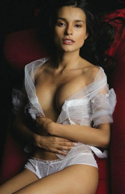 latinas naked at home