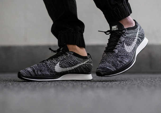 buy popular ee1c9 a8fa7 How to Tell If Your Nike Flyknit Racers Are Real or Fake