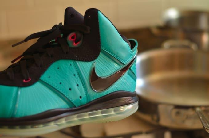 best loved 4b84a 41b24 Nike LeBron 8