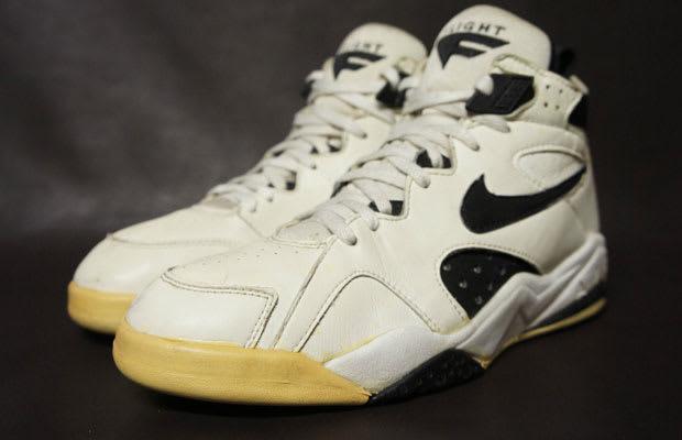 cheaper 2384e 65edc eBay Sneaker Auction of the Day 1992 Nike Air Maestro