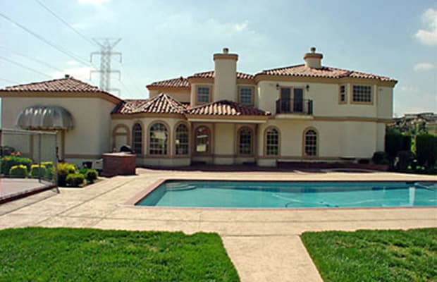 Snoop dogg 20 ridiculous rapper mansions complex for E house