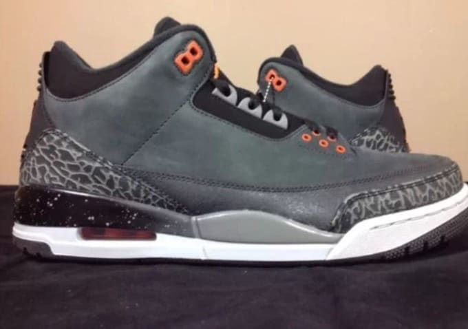 competitive price 7cbbd 4a426 25 Great Sneakers You Can Grab on eBay Right Now.  Complex