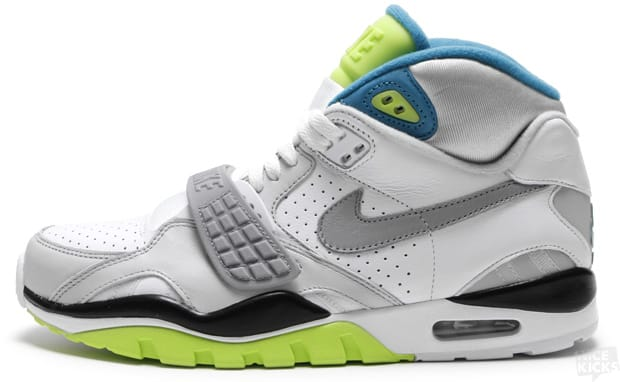 """e9be1187bab One of the best deals that KicksDeals.com ever posted was on the  Quickstrike Nike Air Trainer II SC """"Infrared"""". People freaked out"""