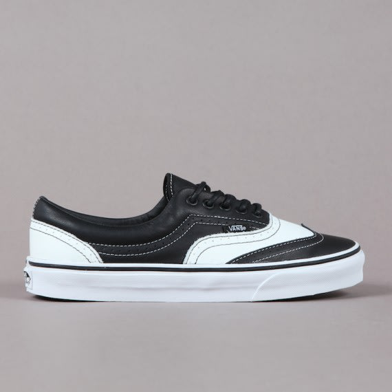 Been aching to rock a pair of Vans to those formal 6a1208b96