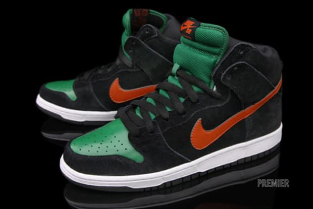 e41923cc1df7 Release Reminder  Nike SB Dunk High