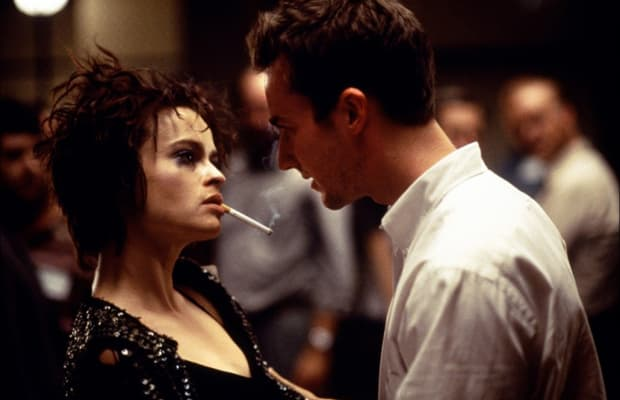 pointing issues in society in the fight club by david fincher David fincher explains some the novel fight club can be palahniuk saw that there were many other problems that present day society was facing and.