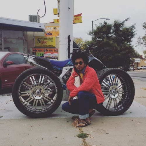 toro-y-moi-instagram-motorcycle
