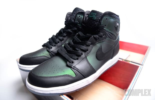 9ab1ddcd1c1 Detailed Photos of the Nike SB x Air Jordan 1
