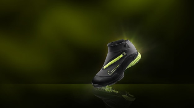 c1ead2266659 Never fear the weather on the course with the Nike Lunar Bandon golf shoe.