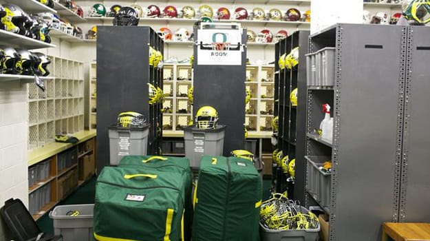 oregon_ducks_equipment_02