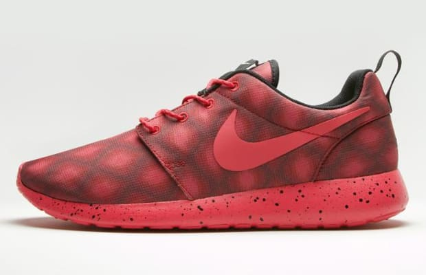 23d78e51978 Go Crazy With These New Graphic Options for the NIKEiD Roshe Run ...