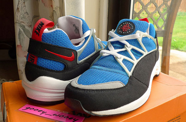 new style bb2ef faca8 Nike Air Huarache Light