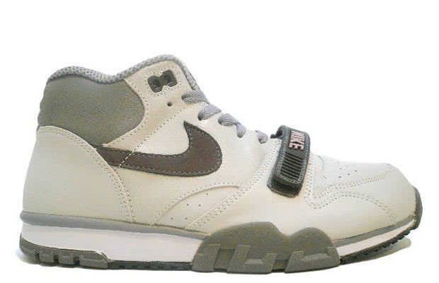 low priced c70e8 7cec6 Nike Air Trainer 1